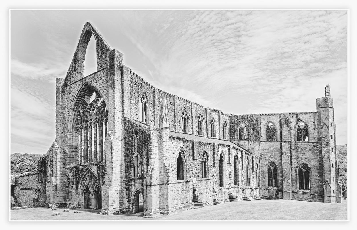 DSCF0578 abbey 3s bw.jpg