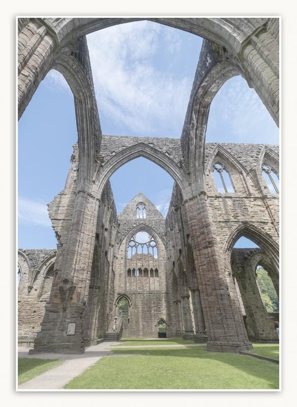 DSCF0571tintern abbey 6 ed1s.jpg
