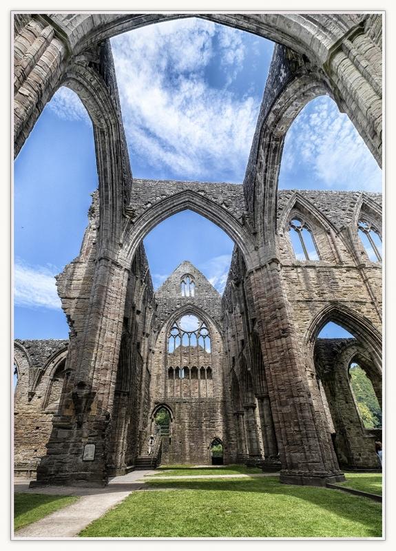 DSCF0571tintern abbey 6 ed13s.jpg