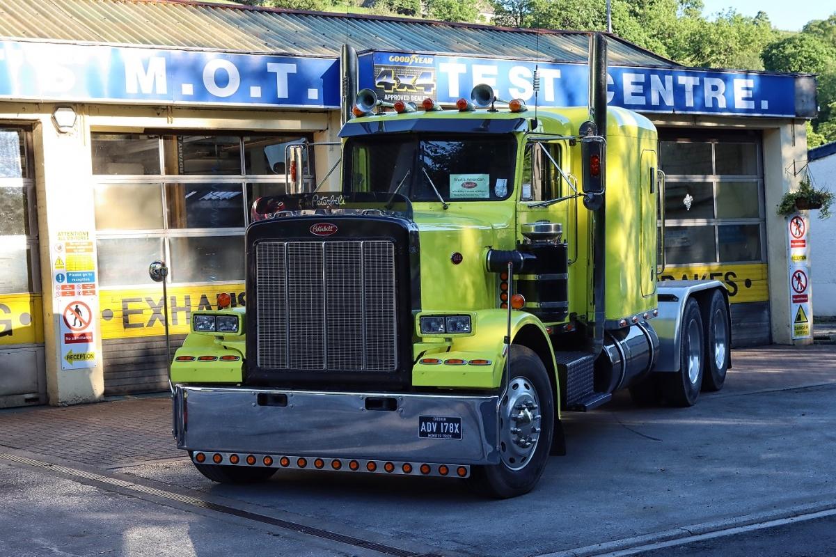 big-yellow-truck-4438.jpg